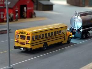 No.71 - Wayne International School-Bus - model building ...