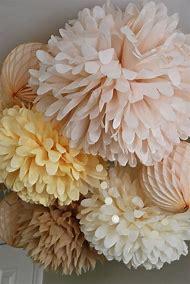 Natural color set of 25 pompoms for nursery roo…