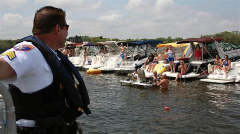 Boating License Chicago by New Boating Laws Target Other Safety Issues