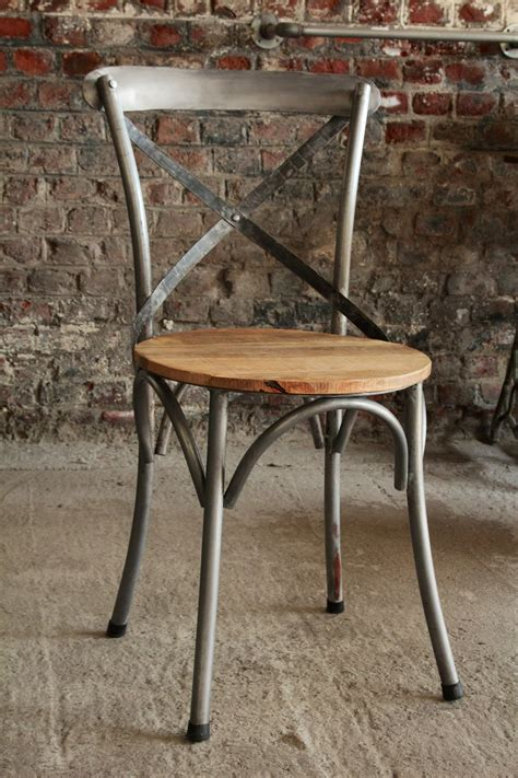 chaises métal industrial furniture bistro chair in wood and metal