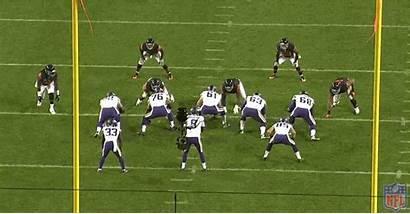 Hicks Vikings Offensive Minnesota Line Akiem Bears
