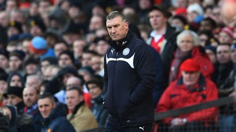 Premier League: Leicester boss Nigel Pearson refuses to ...