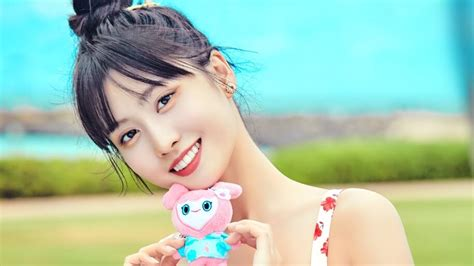 Page 2 top post is sana twice yes or yes 4k wallpaper. Momo, TWICE, 4K, #5.652 Wallpaper