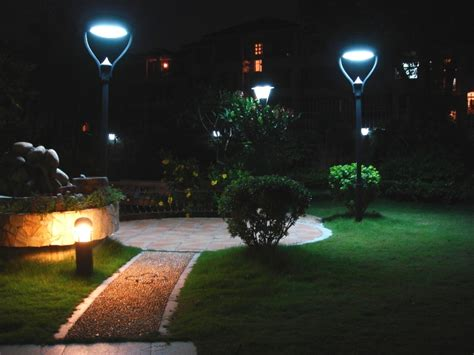 solar garden lights buying tips and guides us55