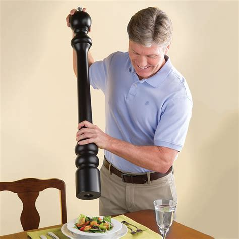 The Ultimate Pepper Mill   The Green Head