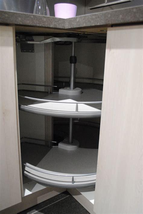 changer porte armoire cuisine meuble armoire cuisine voir tous les avis rideau coulissant pour meuble 15 meuble rideau
