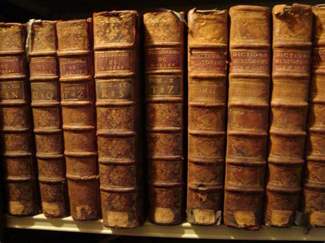 livres de cuisine anciens découvrez d où provient l odeur si particulière des vieux livres daily