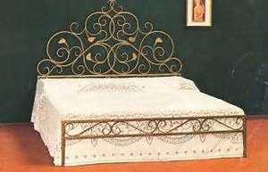 Lit Fer Forgé But : magnifique lit artisanal en fer forg luxury chandeliers ~ Teatrodelosmanantiales.com Idées de Décoration