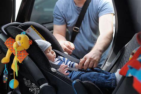 comment installer un siege auto dans une voiture location de voiture avec siège pour bébé en option chez sixt