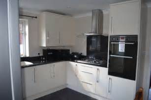B Q Kitchen Ideas Kitchen In High Gloss B Q Kitchen And Bathroom Design Idea 39 S