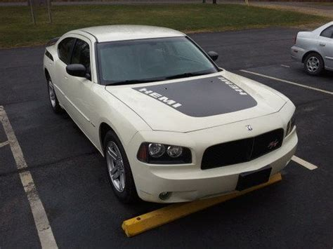 Sell Used 2006 Dodge Charger Sxt Sedan 4-door 3.5l In