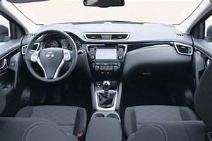 Interieur Nissan Qashqai : nissan qashqai 1 2 dig t autoplus ~ Medecine-chirurgie-esthetiques.com Avis de Voitures