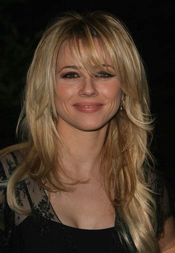 celebrity hairstyle news linda cardellini blonde long layered hairstyle  bangs