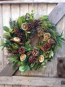 Weihnachtskranz Für Tür : begr t den advent mit einem kranz an der t r ~ Sanjose-hotels-ca.com Haus und Dekorationen