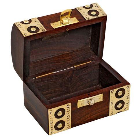 coffre fort en bois tirelire design coffre fort boite en bois pour