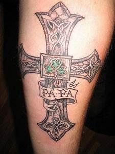 Croix Tatouage Homme : tatouage avant bras homme croix mod les et exemples ~ Dallasstarsshop.com Idées de Décoration