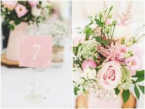 Baumscheiben Deko Hochzeit : britische vintage hochzeit von denise stock hochzeitsblog the little wedding corner ~ Yasmunasinghe.com Haus und Dekorationen