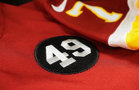 washington football team  honor franchise icon bobby