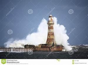 Leuchtturm Ar Men : vague de phare de roker image stock image du orageux 30117889 ~ Buech-reservation.com Haus und Dekorationen