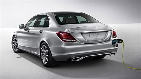 Furthermore, the seats are ventilated. Mercedes Benz C350e 2018 Review, Specs, Price - Carshighlight.com