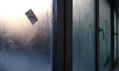 Почему потеют пластиковые окна изнутри в квартире что делать