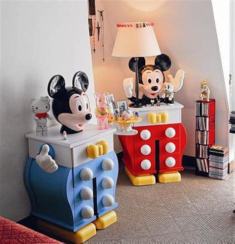 chambre mickey mouse visite privée chez yves gastou grand manitou du design