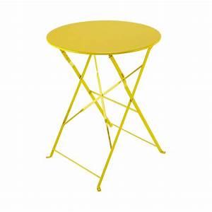 Table Pliante Metal : table pliante de jardin en m tal jaune d 58 cm confetti ~ Teatrodelosmanantiales.com Idées de Décoration