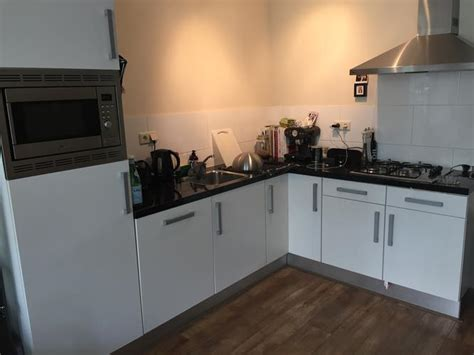 Oven Inbouwen In Keukenkastje by Koelkast En Combimagnetron Uit Inbouwkast En Nieuwe Oven