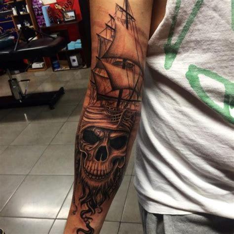 Barco Pirata Tattoo Significado tatuajes de barcos piratas y su significado 30 ideas
