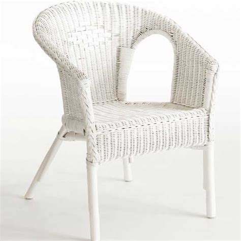 white wicker chair my style