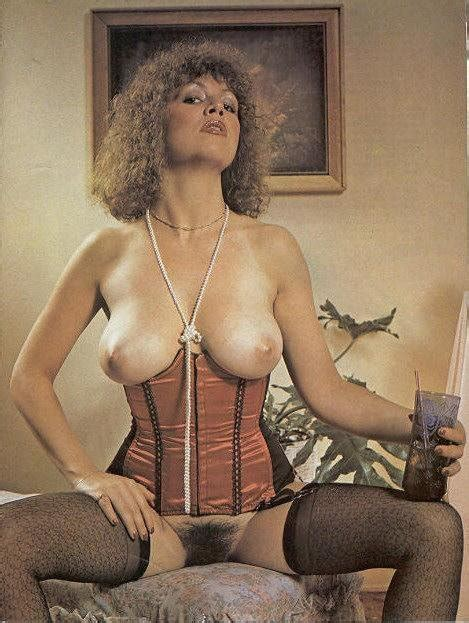 Vintage Erotica A Classicvintageretromake Uplipstick