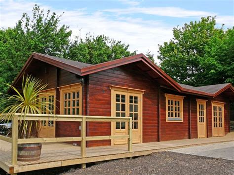 log cabin with tub york log cabin with tub near whitby pet friendly