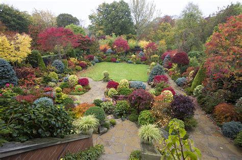 Garten Wässern Im Herbst by Hintergrundbilder Walsall Garden Natur Herbst