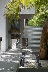Simple, Modern, House, With, Natural, Environment, Courtyard