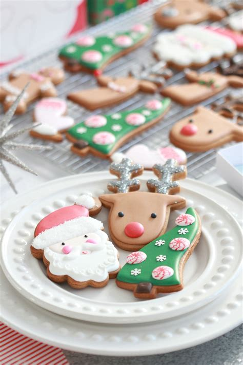 Choose from 880+ cartoon cookies graphic resources and download in the form of png, eps, ai or psd. (Video) How to Decorate Christmas Cookies - Simple Designs ...