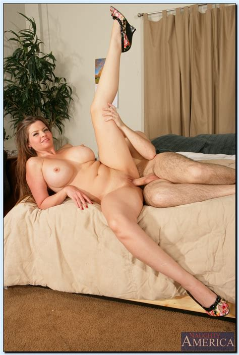 June Summers Use The Situation To Her Advantage Milf Fox