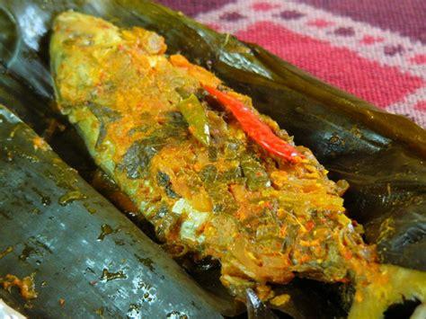 Kunci dari cara membuat pepes ikan mas yang nikmat adalah bahan dasarnya yang segar. Resep Membuat Pepes Ikan Mas Pedas   Resep Masakan Enak ...