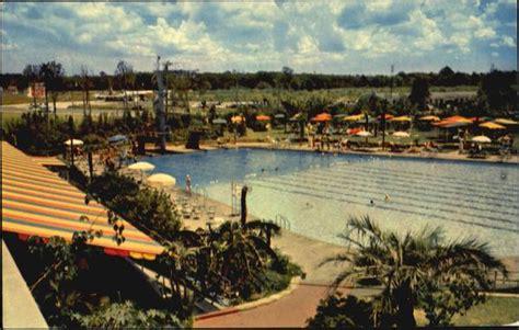 famous shamrock hotel swimming pool houston tx