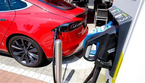 """Elektroauto """"ultra""""ladestationen Mit Bis Zu 350 Kw"""