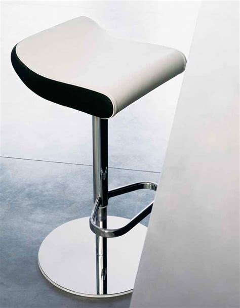sgabelli design 50 sgabelli da cucina o da bar dal design moderno
