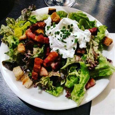 salade lyonnaise photo de restaurant chez grand mere