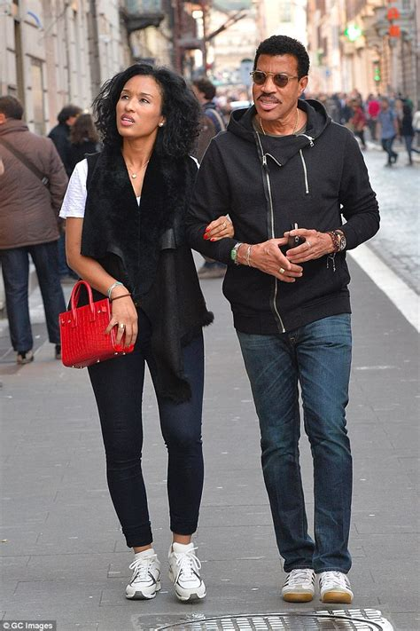 wow    lionel richies younger girlfriend