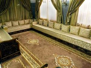 tapis pour salon marocain oriental 2017 salon deco marocain With tapis oriental avec canapé moderne tissu