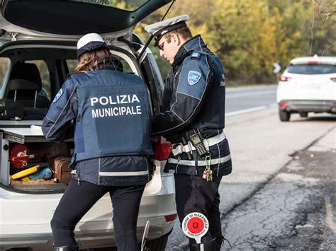 casale senza comandante dei vigili urbani sospeso il