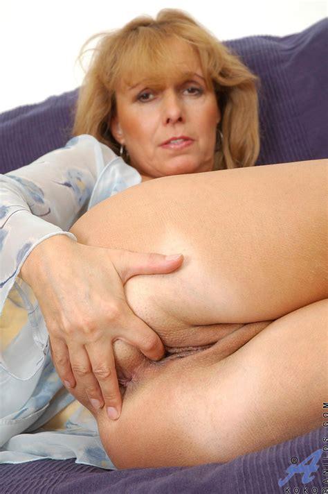 freshest mature women on the net featuring anilos koko granny anilos