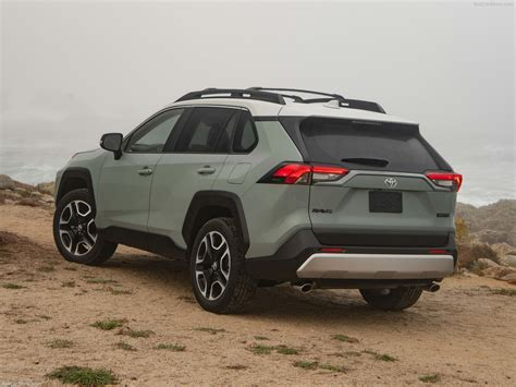 toyota rav adventure  picture