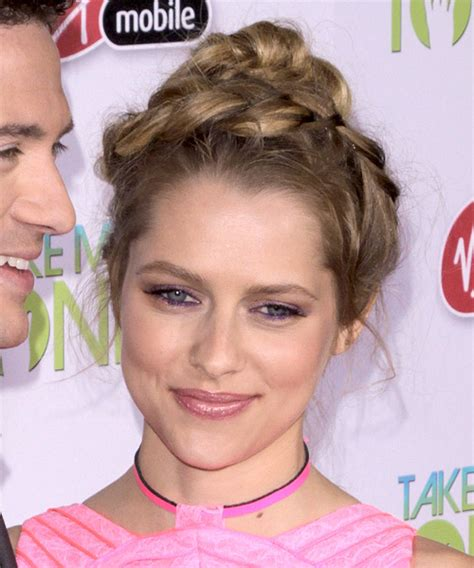 teresa palmer casual long curly updo hairstyle light