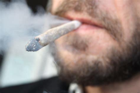 hotel amsterdam chambre fumeur amsterdam les coffee shops partent en fumée caraporters