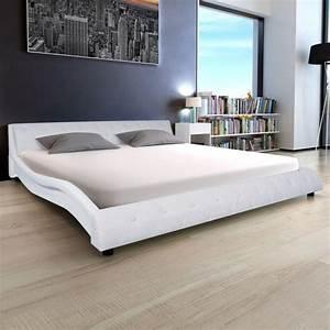 Lit En Cuir : lit design en cuir 180 x 200 cm blanc ~ Teatrodelosmanantiales.com Idées de Décoration