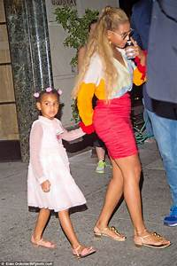 Beyonce And A Sweetly Dressed Blue Ivy Are Pretty In Pink